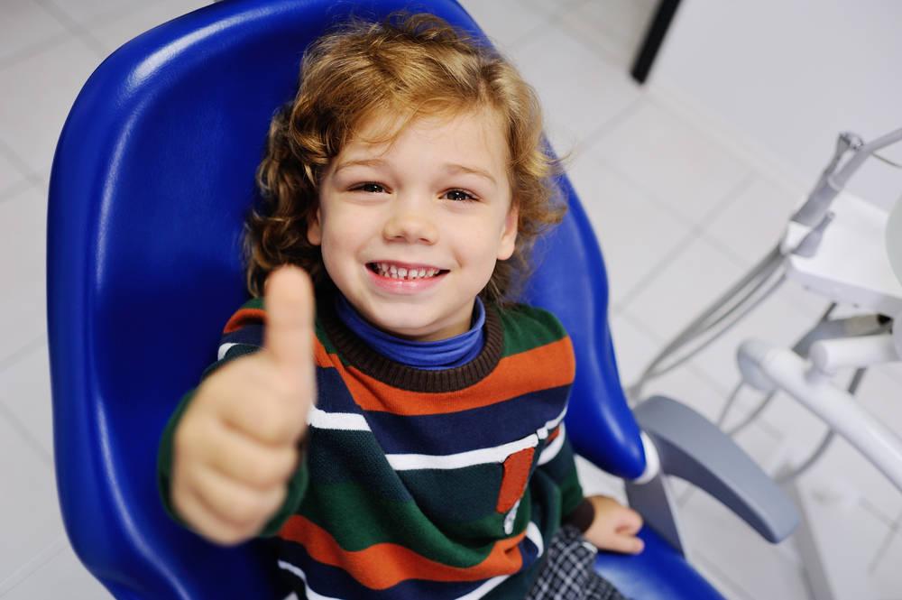 ¿Qué debo hacer si mi hijo se rompe un diente?